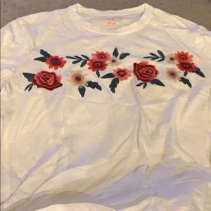 Abercrombie Kids tshirt embroidered flowers 13/14